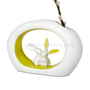 Ostergeschenk_Goebel_Figuren_Bunny_der_luxe_Serie_Seasonal_apple_green_Bunny_Vase_Osterdokoration